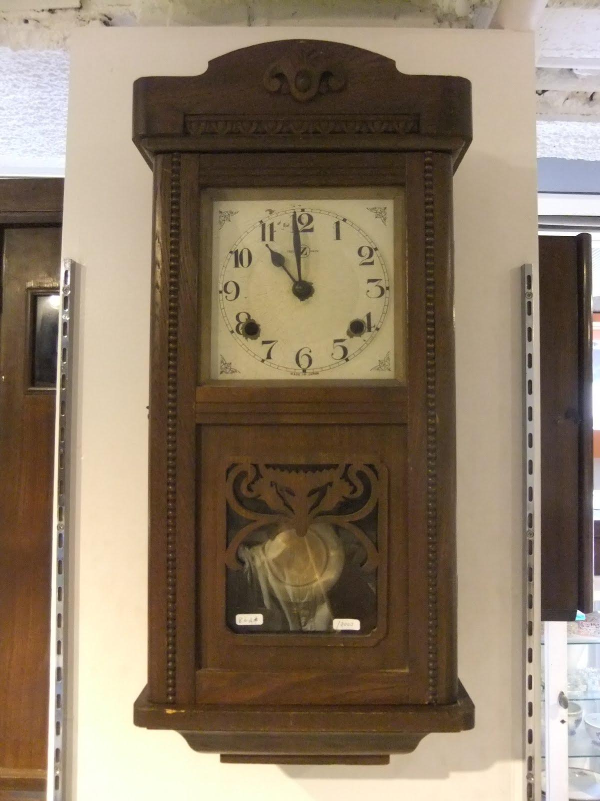 Zマーク掛け時計