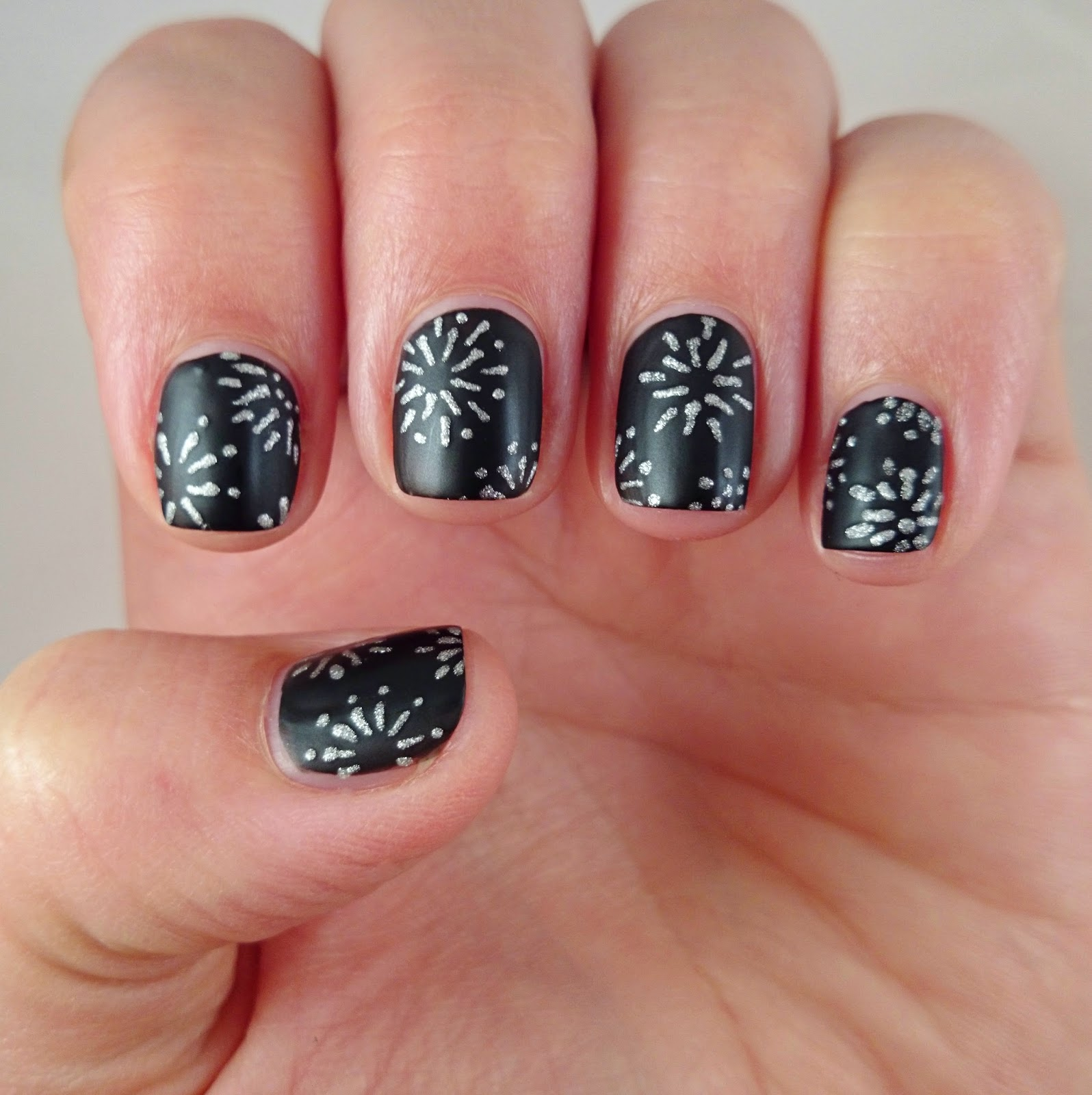 Dahlia Nails Baby You Re A Firework