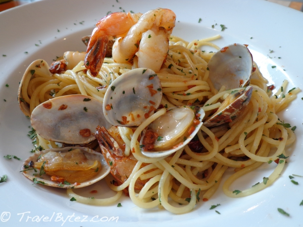 Shrimp & Clams Aglio Olio