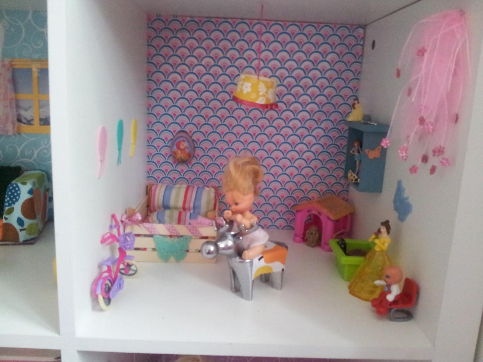 Der bastelblog das barbie puppenhaus for Puppenhaus basteln