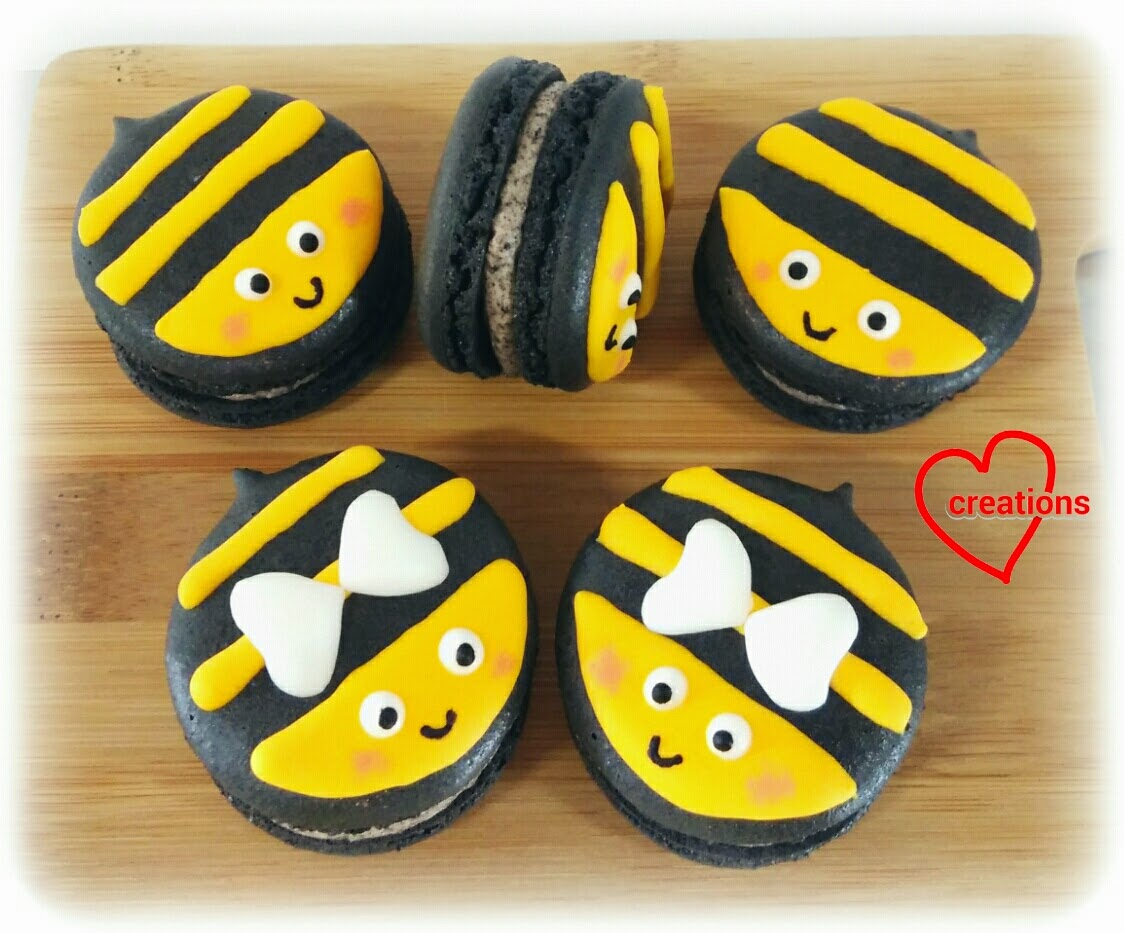 Loving Creations for You: Bumblebee Cookies n Cream Macarons