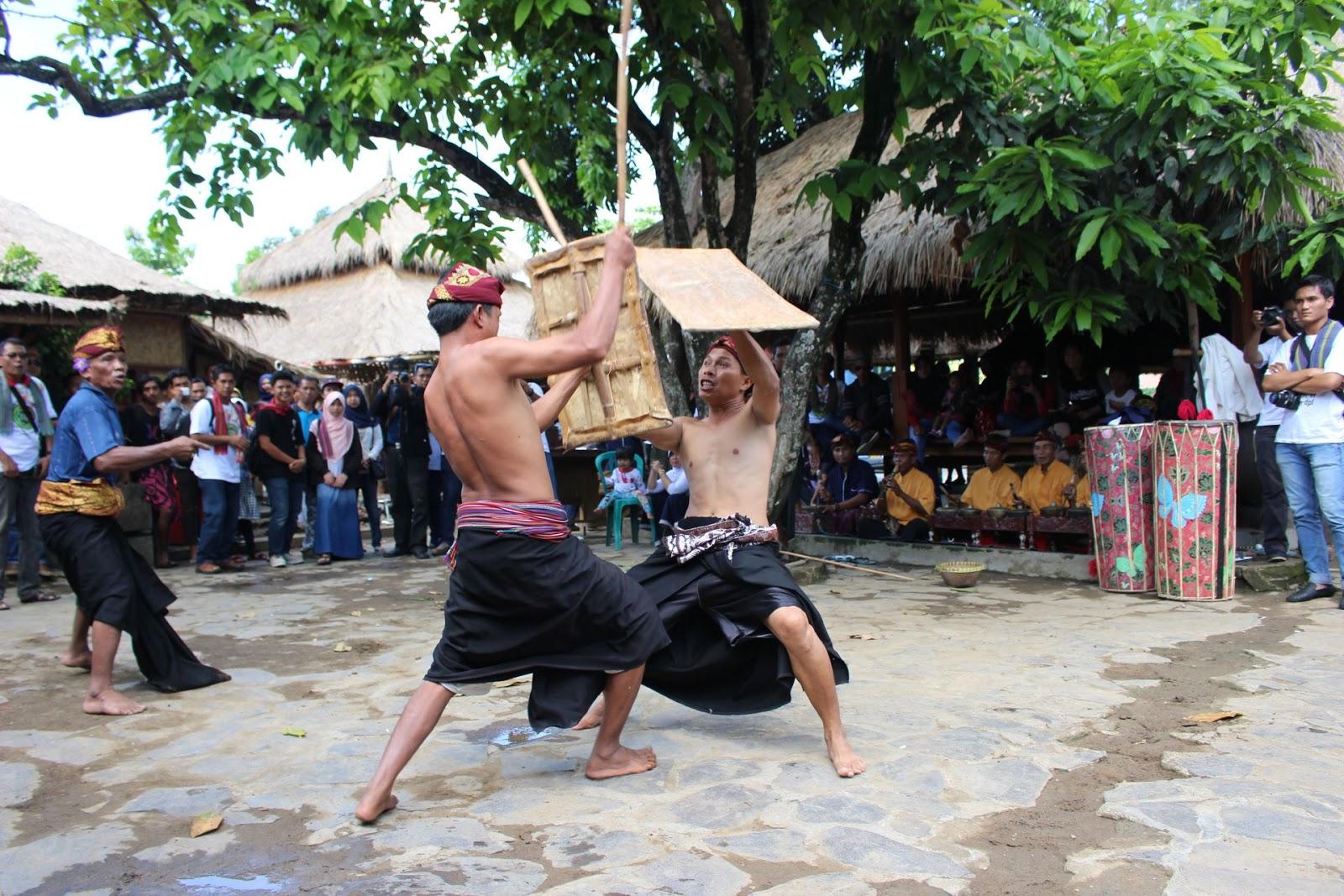 presean budaya suku sasak