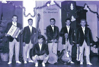 CONJUNTO MUSICAL MONROES  1966