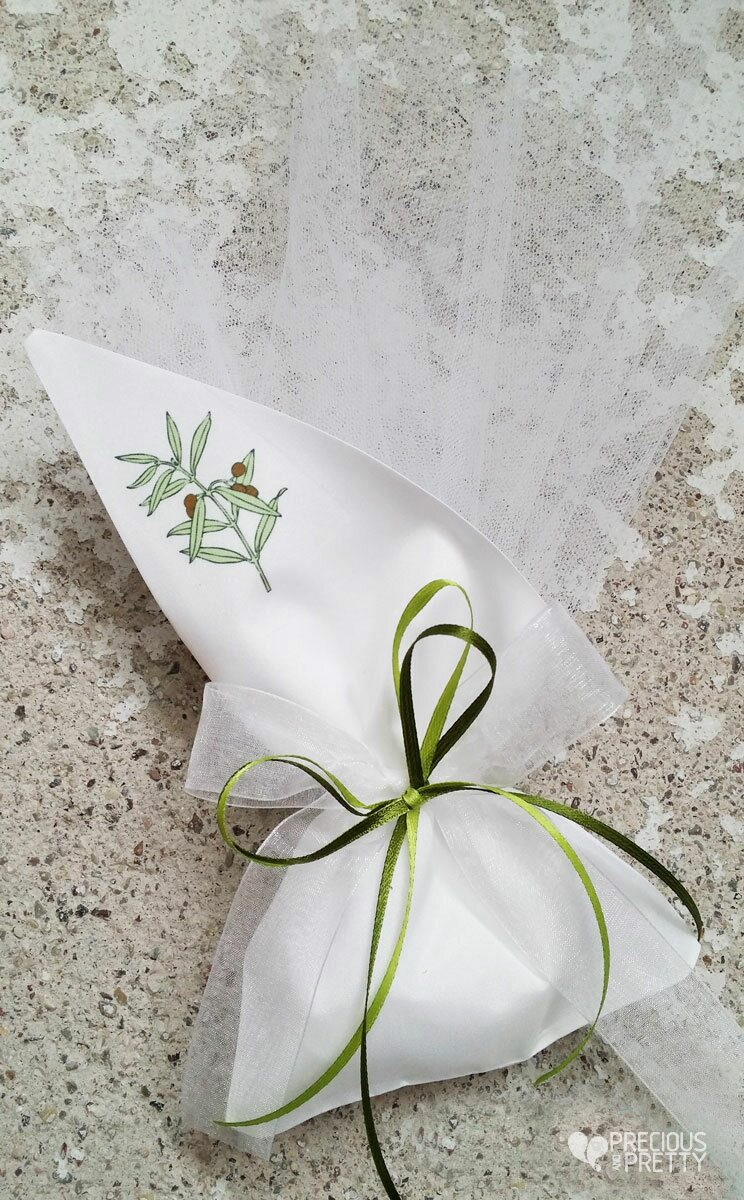 Greek wedding favors olive leaves G109 | preciousandpretty.com