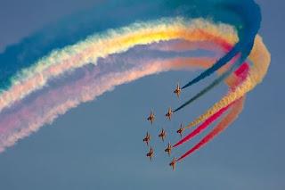 cielo con colores del arcoiris