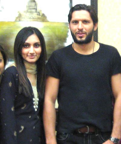 Younis Khan Wife http://princeofpk.blogspot.com/2011/12/shahid-afridi-best-player-all-rounder.html