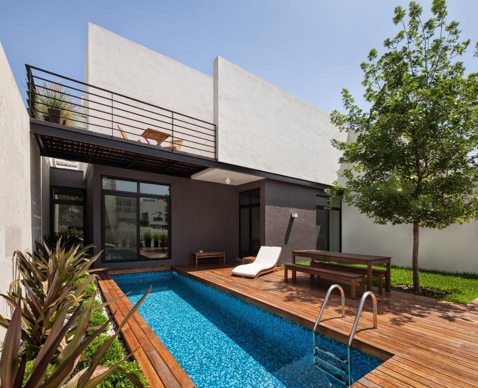 Rumah Minimalis Dengan Taman Belakang