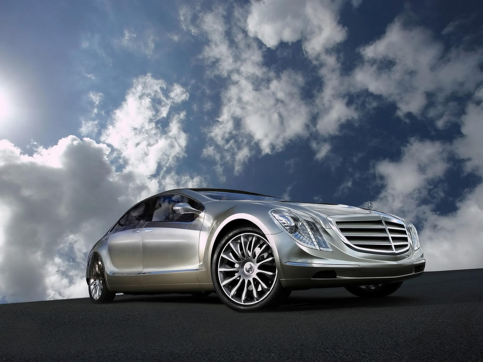 Mercedes benz wallpaper desktop cars n bikes for The latest mercedes benz