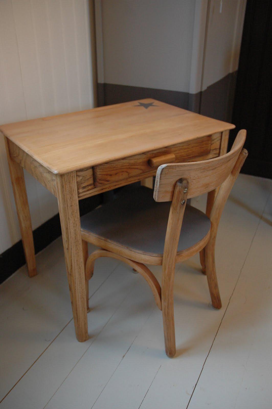 Le Loup Rose à la Vanille Bureau chêne et chaise Baumann