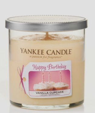 Yankee Candle Cake Images : Andy s Yankees: ONE YEAR OF ANDY S YANKEES   HAPPY BIRTHDAY!