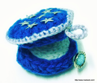 crochet heart ring box