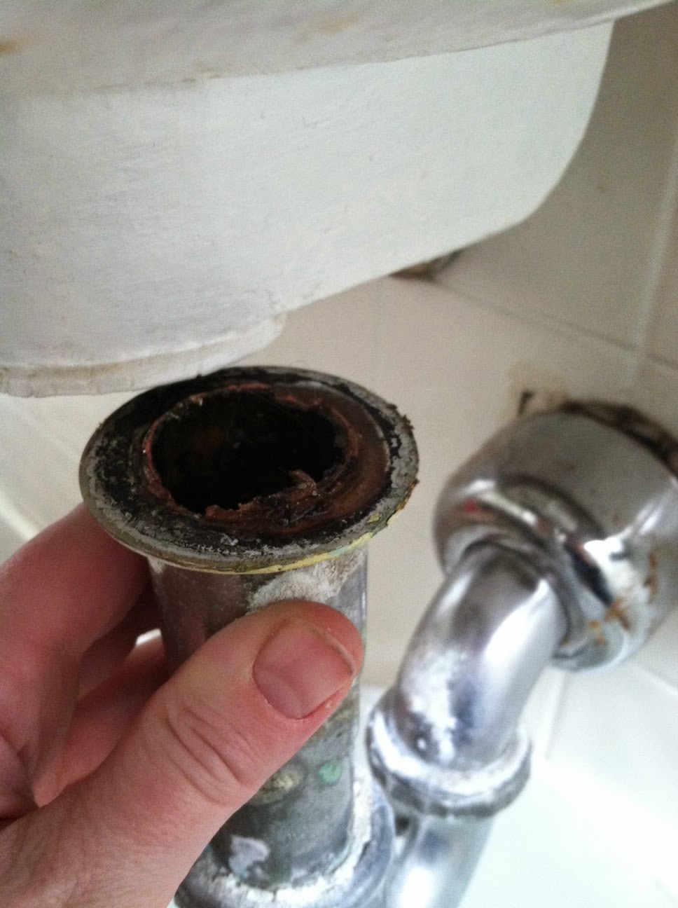 Tail pipe broke off old sink
