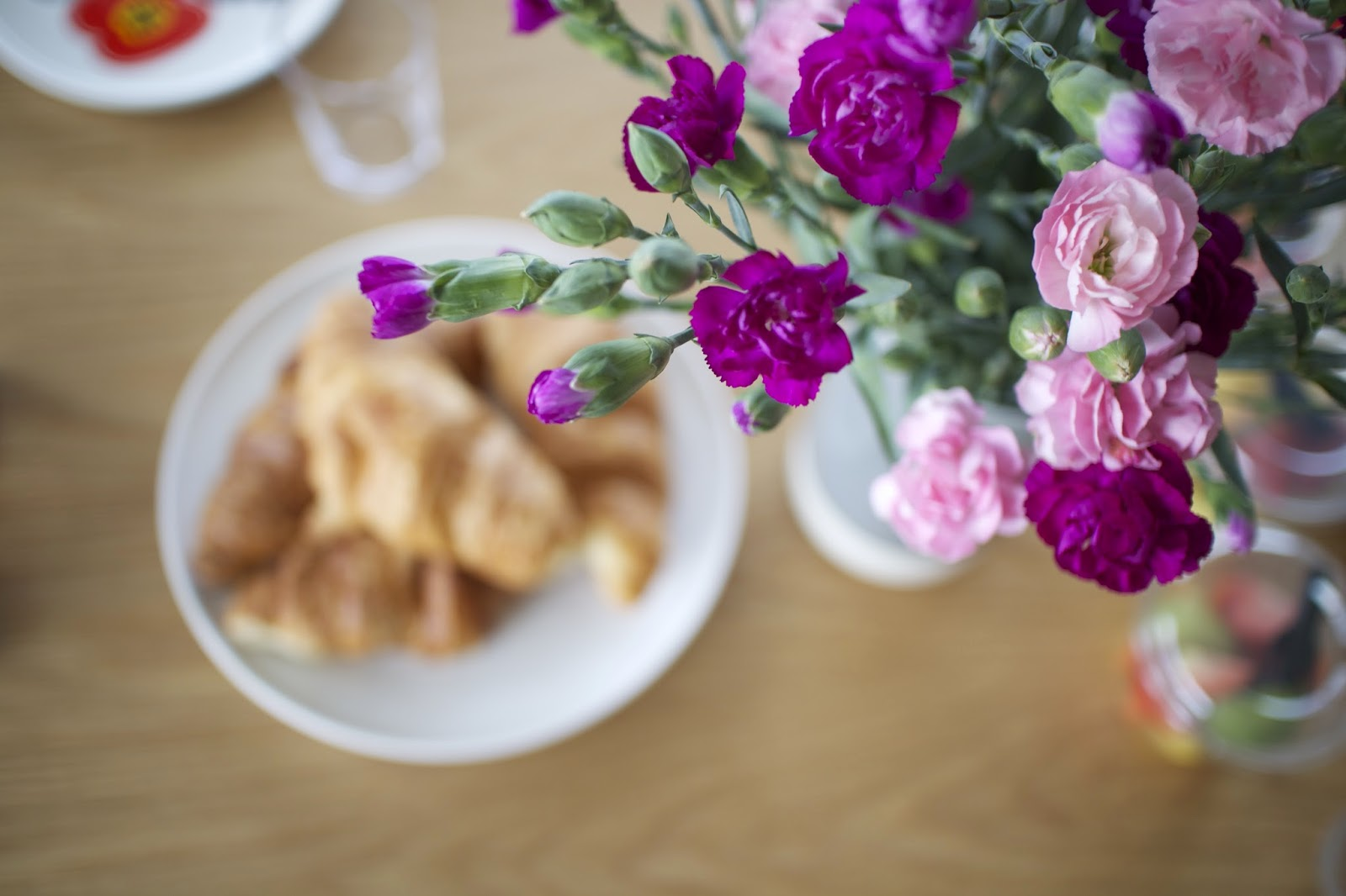 carnations breakfast london