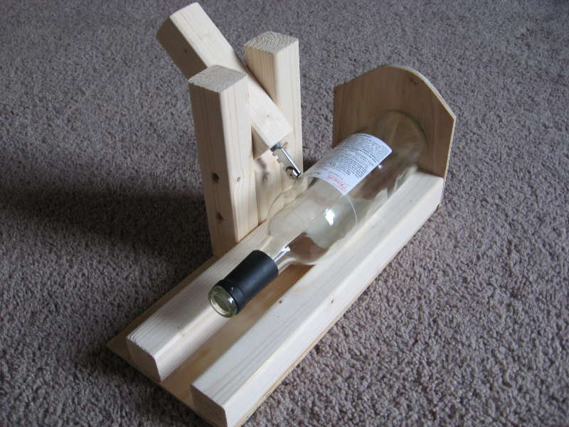 Mad scientist 39 s lair wine bottle cutting jig for Diy wine bottle cutter