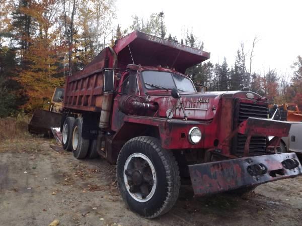 1959 mack b81 dump truck old truck