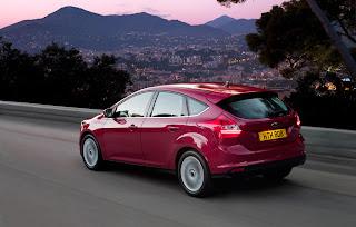 2012-Ford-Focus-15