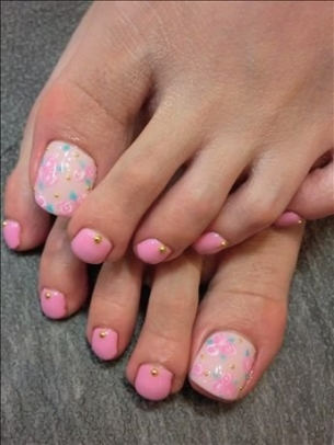 New-Season-Pedicure-Nail-Art-Ideas-6