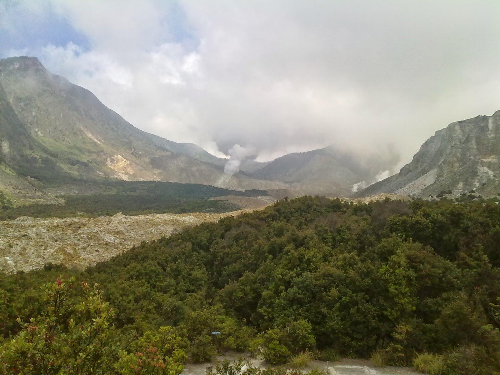 Gunung Papandayan Garut.