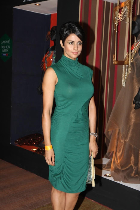 gul panag at anita dongre's fashion at lfw 2012. latest photos