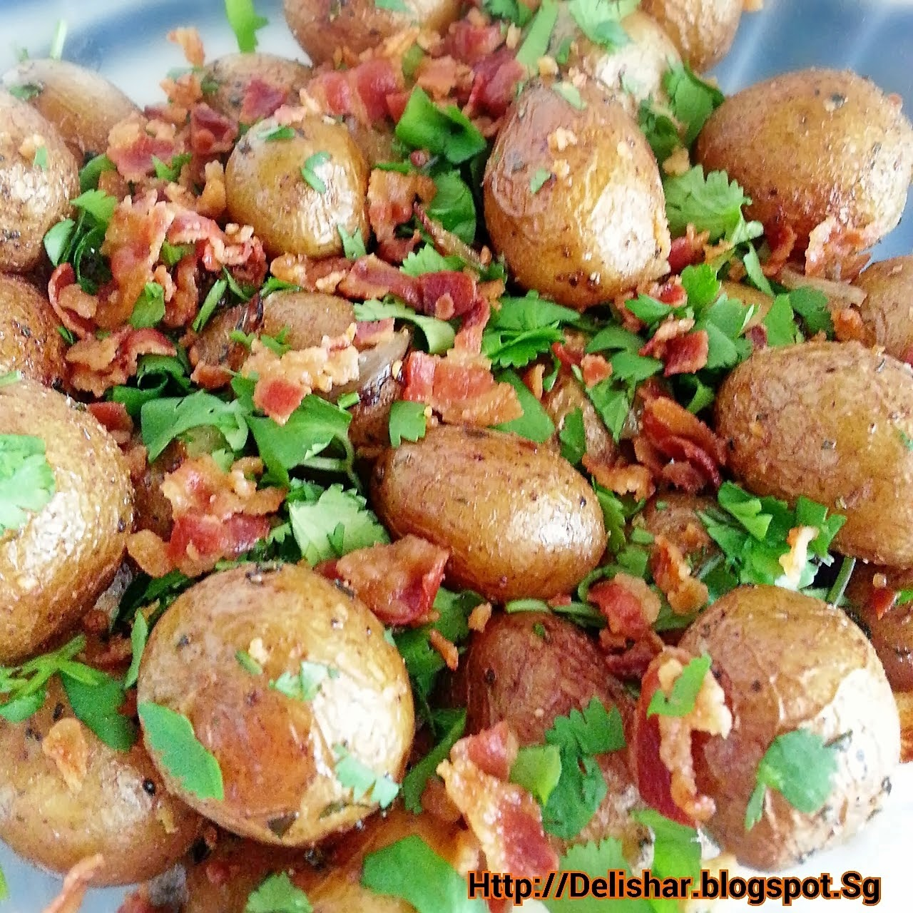 Bacon onion and herb roasted baby potatoes delishar singapore bacon onion and herb roasted baby potatoes forumfinder Choice Image