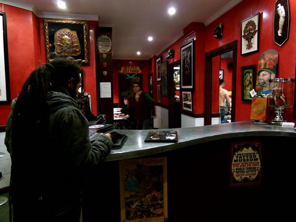 Funky buddha tattoo thamel kathmandu paris tattoo shops for Salon tattoo paris