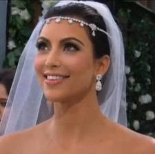 Kim Kardashian Goes To The Chiropractor