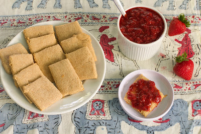 kid friendly gluten free graham crackers and honey-sweetened strawberry jam