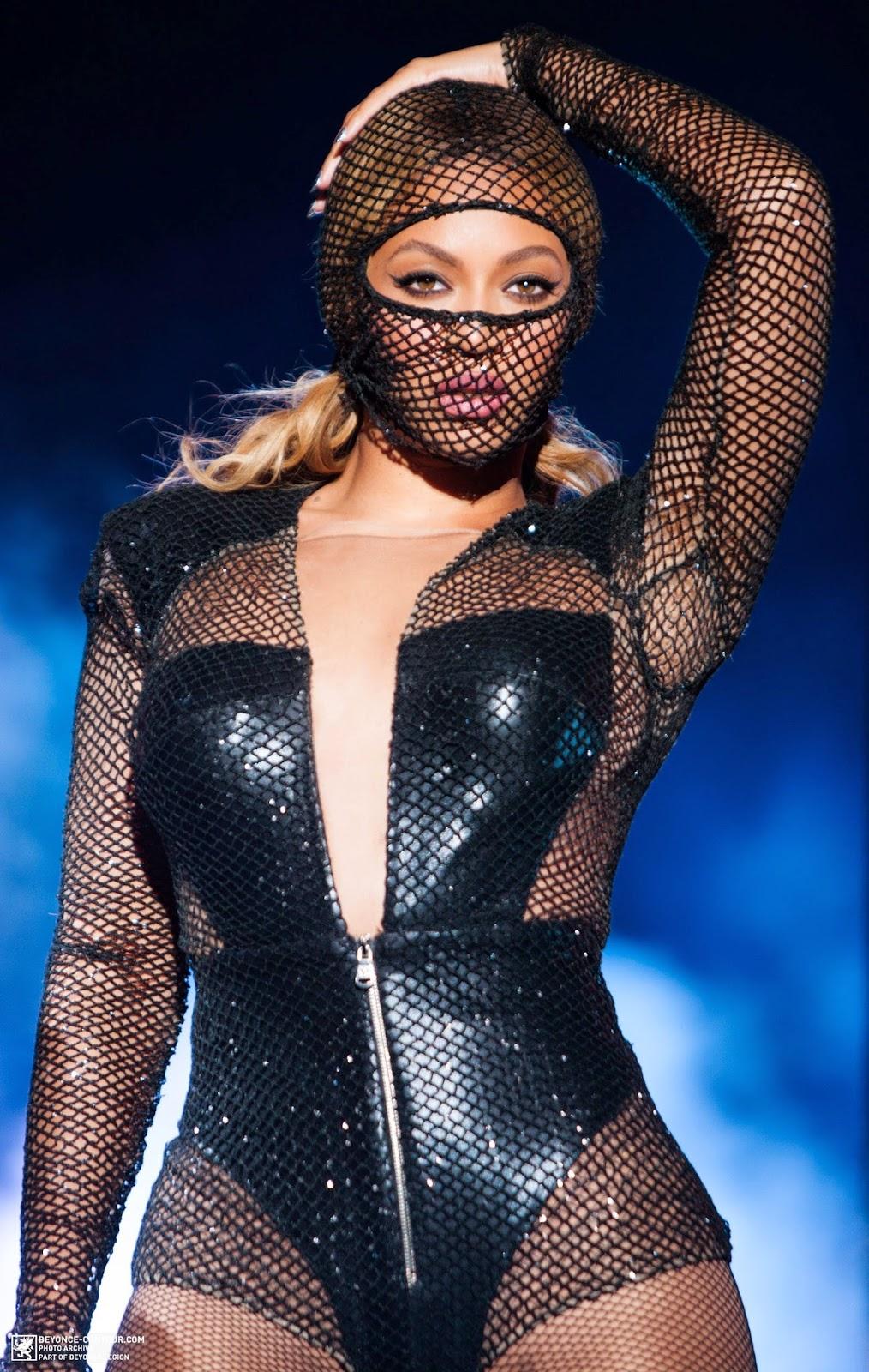 Nicki Minaj Wears See Through Tights Chance to see them perform