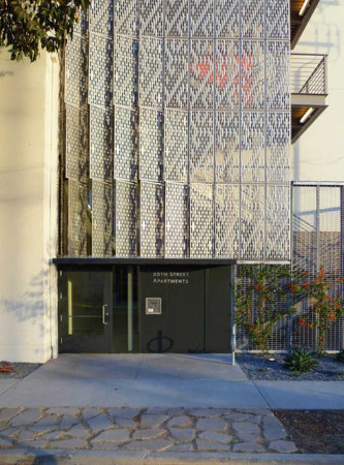 09 28th Street Apartments By Koning Eizenberg