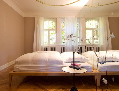 IKEA Pax Schrank plus Tolomeo Leuchte von ARTEMIDE