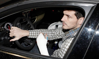 iker casillas mano
