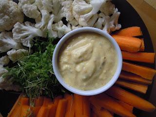 Krokante groenten met yoghurt dipsaus