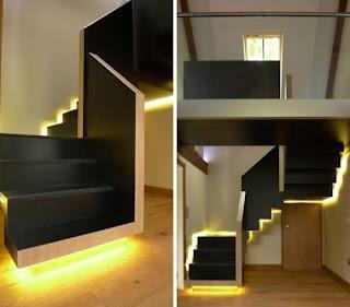 moderna escalera con luces