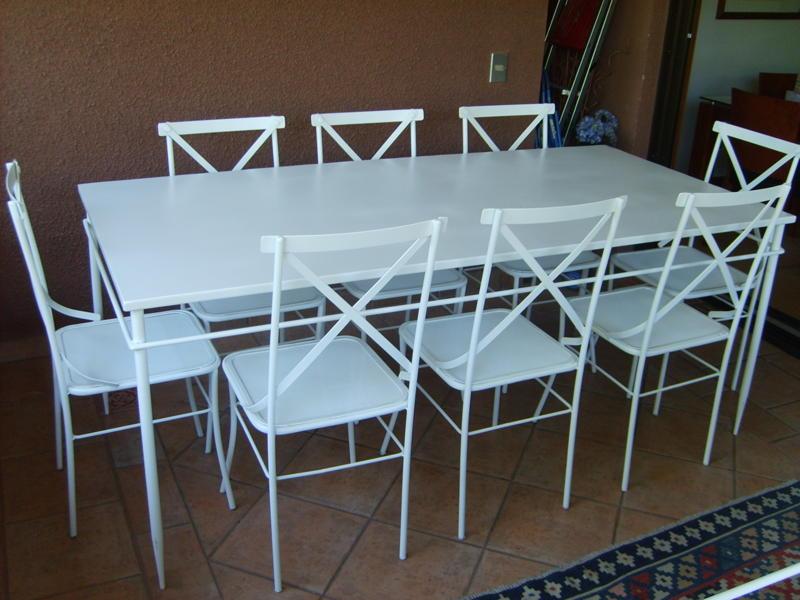 Muebles andrea schoennenbeck comedor de terraza con for Muebles para terrazas cubiertas