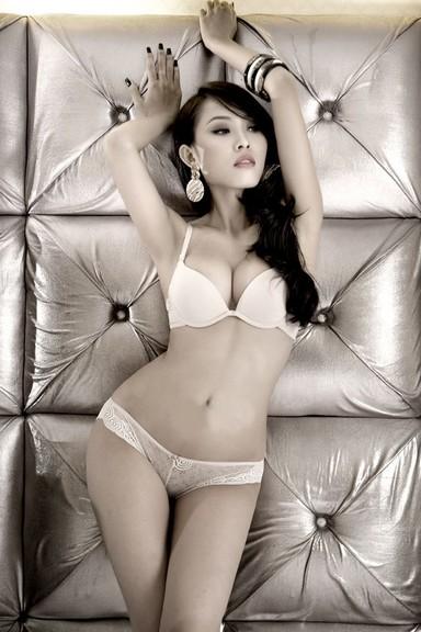 girl sexy với đồ lót trắng