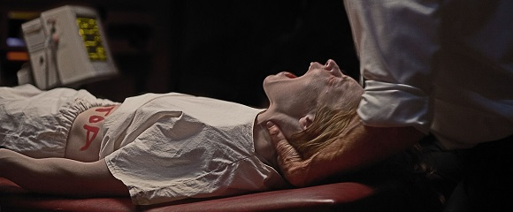 Ashley Bell em O ÚLTIMO EXORCISMO: PARTE II (The Last Exorcism: Part II)
