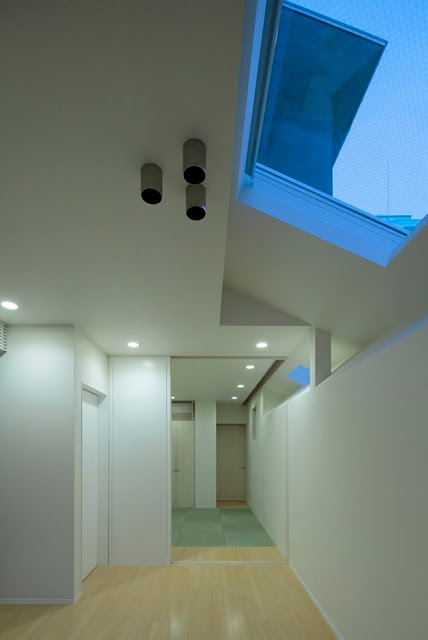 Keyhole House, The Small House for Four People - Inspiring Modern Home