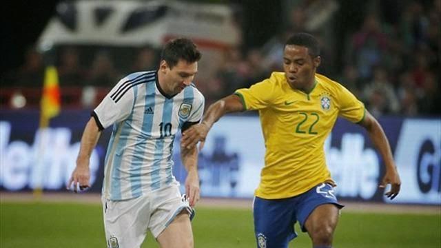 ميسي ضيع ركلة جزاء في كلاسيكو البرازيل والارجنتين