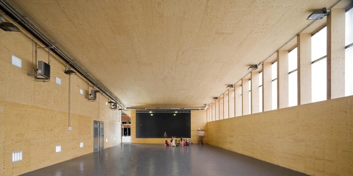 H arquitectes gimnasio 704 premio enor arquitectura for Gimnasio 704 h arquitectes