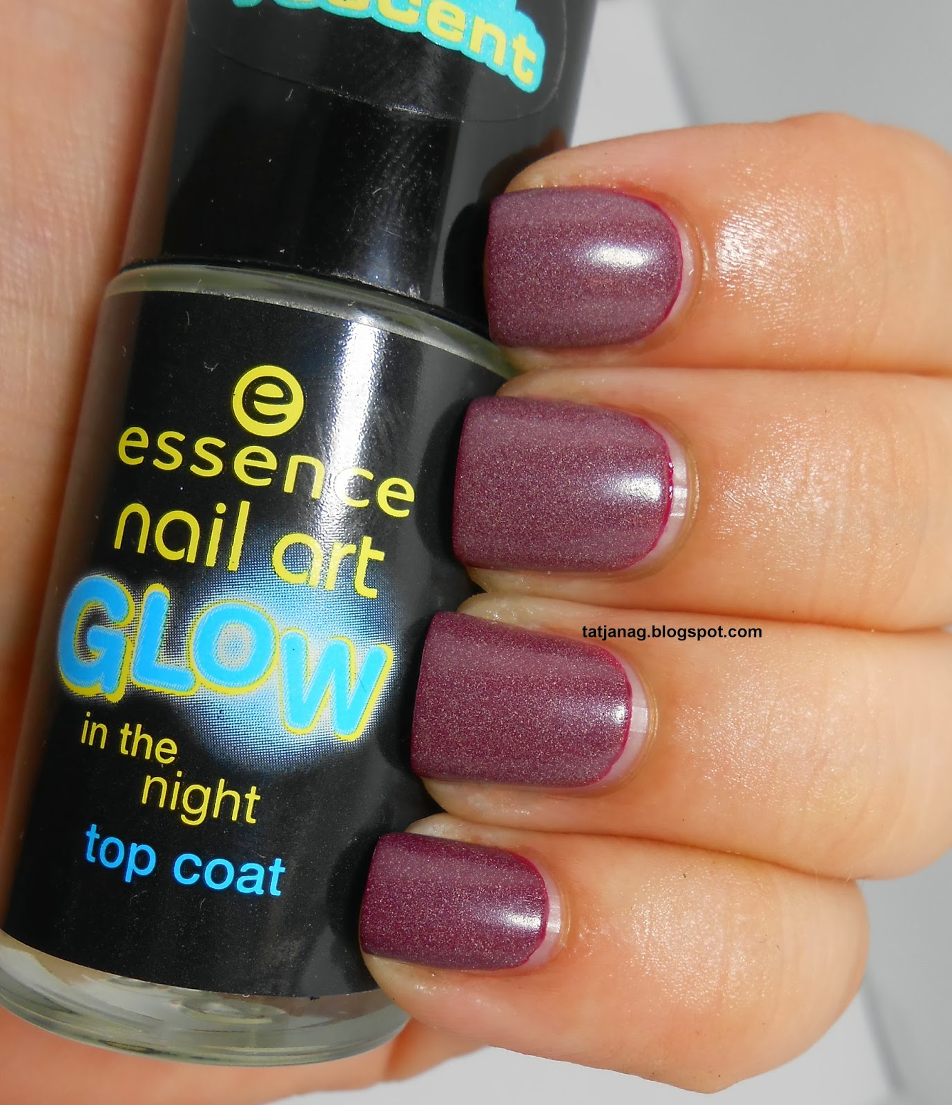 Essence Nail Art Glow In The Dark Top Coat Beauty Of The Suns