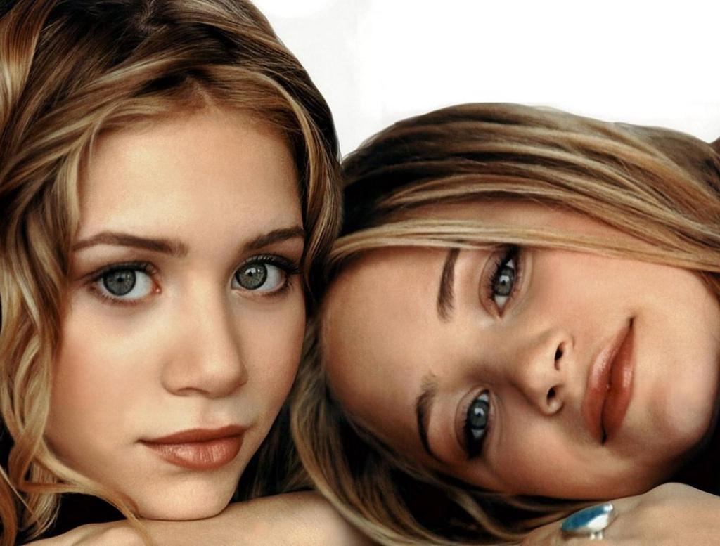 Hotties Wallpapers: Ol... Anna Kournikova Twins