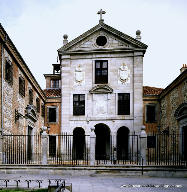 Historias matritenses plaza de oriente arre arre for V encarnacion salon