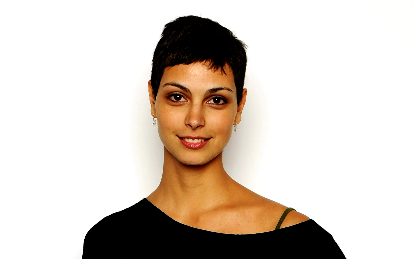 http://4.bp.blogspot.com/-NaQhmXaPeDk/TyCHNMgLw5I/AAAAAAAAAYc/UDR8h-TXgCo/s1600/Morena_Baccarin_Short_Hair_Celebrity_HD_Wallpaper-Vvallpaper.Net.jpg