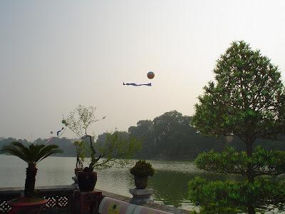 Pagoda lago di Hoan Kiem, Hanoi, Vietnam