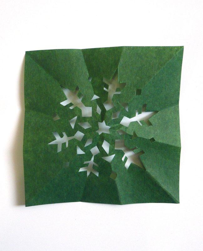 すべての折り紙 折り紙雪の結晶折り方 : ... 雪の結晶でデコレーション