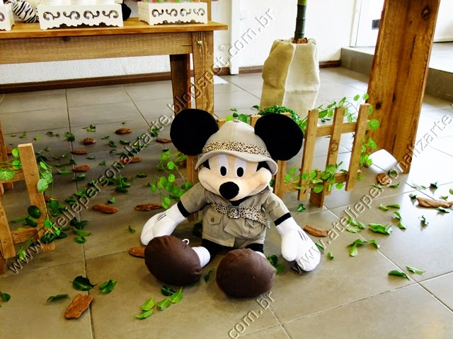 decoracao de aniversario infantil Mickey Safari
