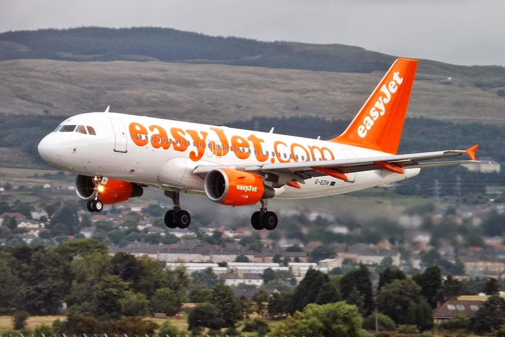 How Easyjet Handles Delays and Flight Cancellations // www.whatnadineloves.com