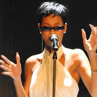 Model Rambut Pixie ala Rihanna