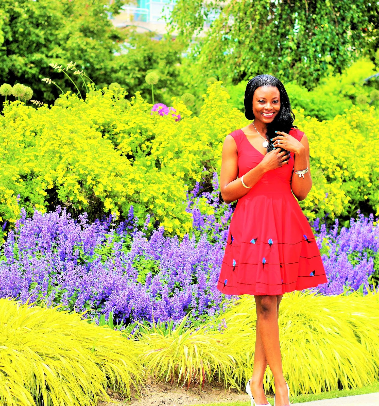 The perfect red dress by Eshakti