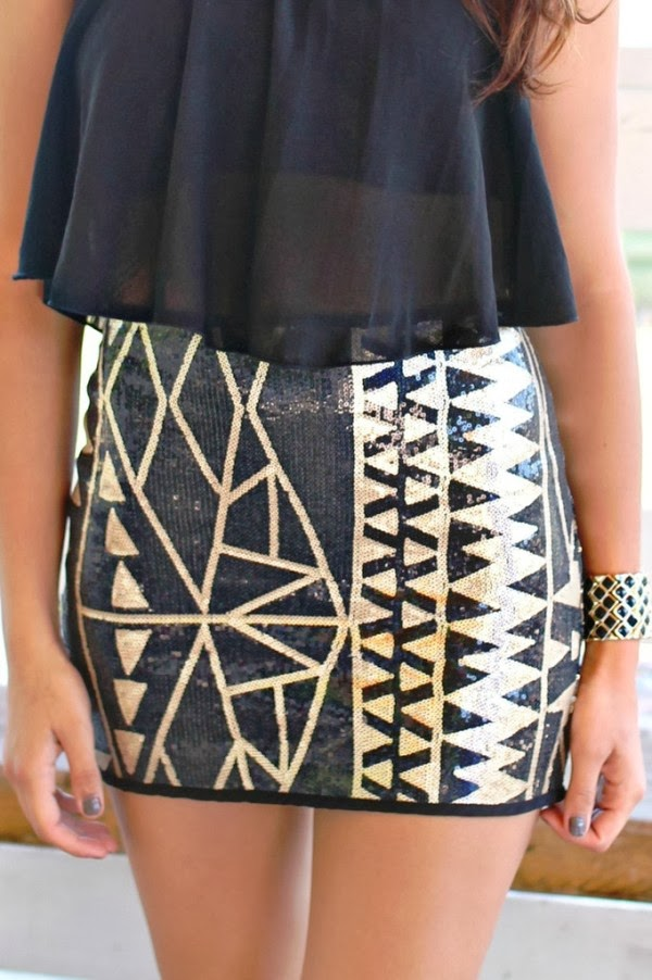 Golden print black mini skirt and black lace top